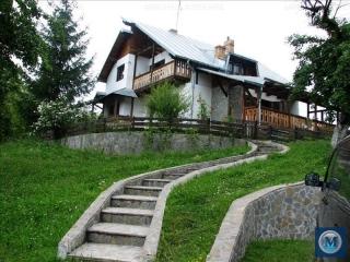 Vila cu 6 camere de vanzare in Nistoresti, 225 mp